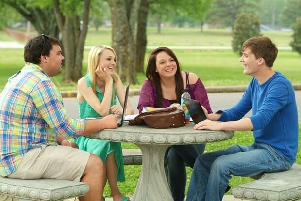 spotkanie grupy przyjaciół