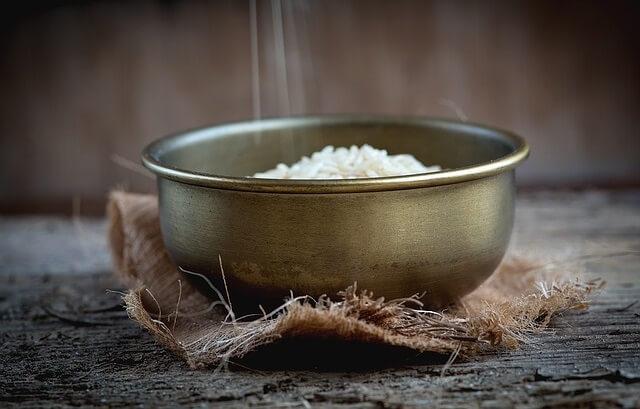 Garnek z ryżem
