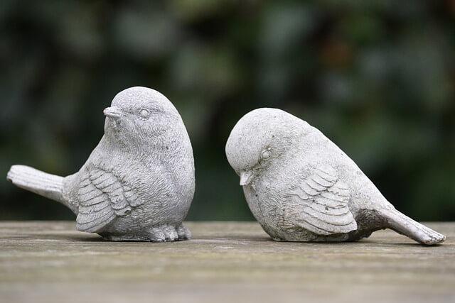 figurki zwadzonych ptaszków