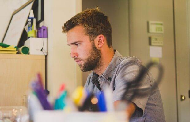 Co robić jak sie nudzi w pracy