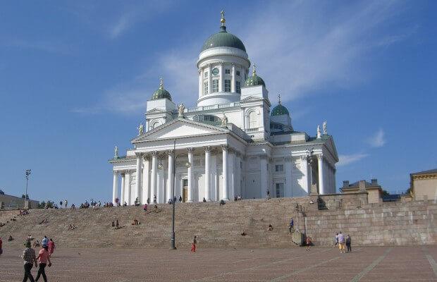 miejsca-w-finlandii-Tuomiokirkko