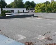płaski dach budynku