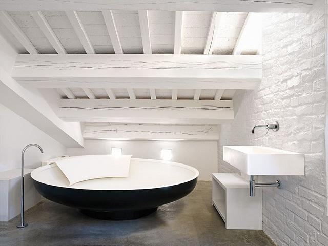 aranżacja łazienki z elementami vintage